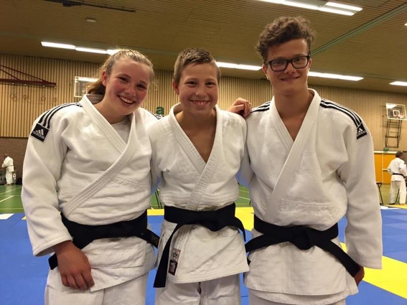 b9ef3b62a7e Zoie, Jarno en Kevin zwarte band - JudoGoes Nieuws - JudoGoes